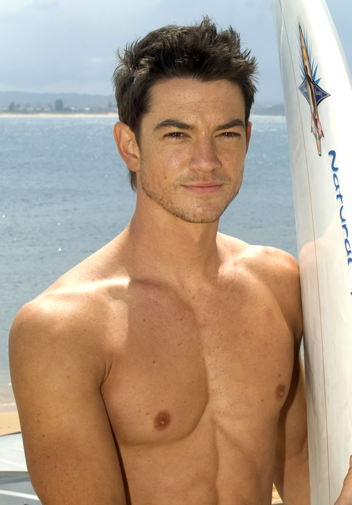 Craig horner bluewater high the male celebrity for H2o actors